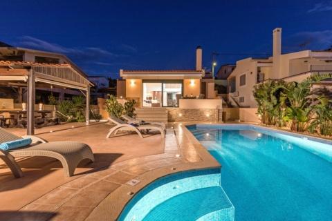 Luxurious Villa Solaris Next To The Beach – Athens Riviera